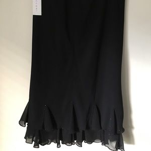 Gina Bacconi black hanky hem SKIRT. Misses UK 14